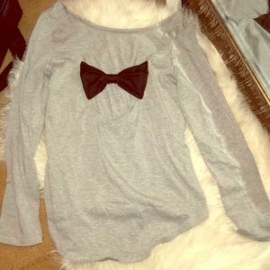 Long sleeve shirt open back and bow tie medium